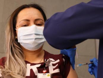 #全球日增确诊超58万例#全球各主要国家正在加速注射疫苗!