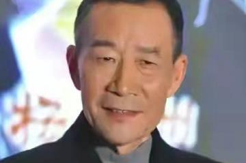 李雪健特别到场支持儿子李亘首映礼